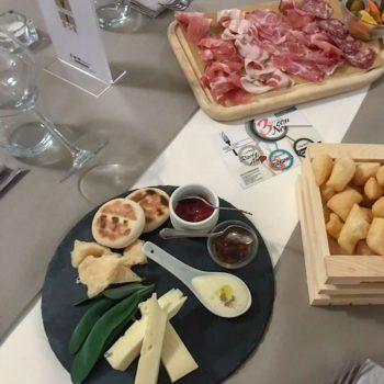 Gnocco Fritto Canne Al Vento Ristorante Con Pizza
